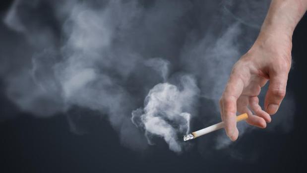 El humo del cigarrillo empeora el cáncer de cabeza y cuello
