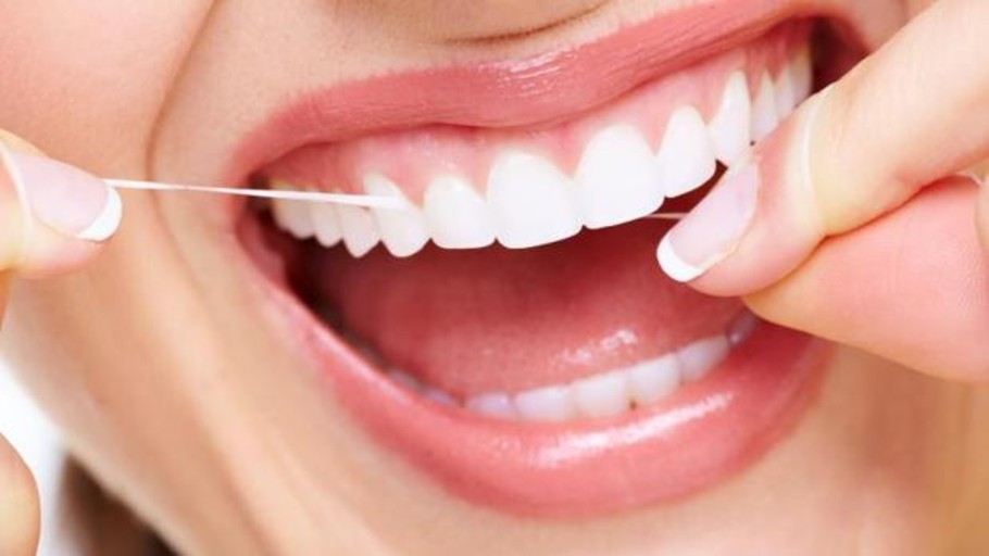 Descubre que tiene la dentadura postiza en la garganta ocho días después de ser anestesiado para una cirugía