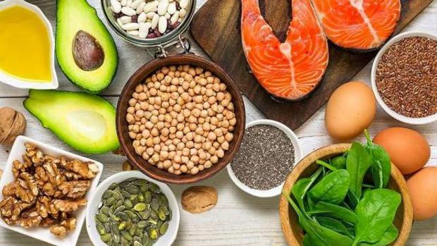 Los alimentos con un elevado contenido de antioxidantes, como por ejemplo los frutos secos, los cereales, las legumbres y el café, se asocian con telómeros más largos