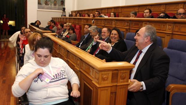 Pleno de las Cortes de Castilla-La Mancha del Día Internacional de las Personas con Discapacidad