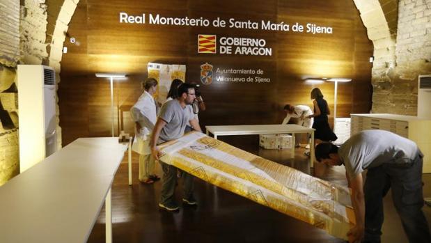 Llegada al Monasterio de Sijena (Huesca) las 51 piezas entregadas por la Generalitat en 2016
