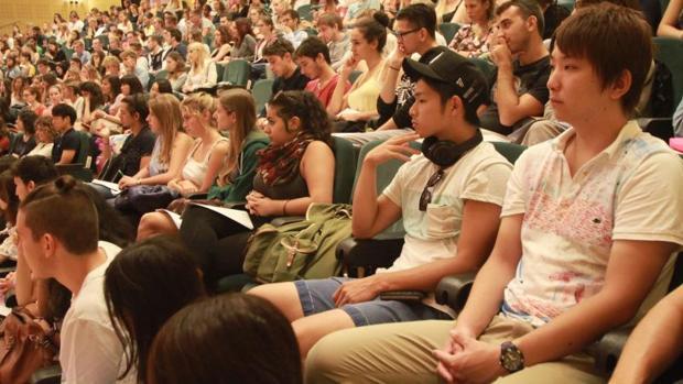 España ha pasado de enviar 95 estudiantes en 1987 a 61.000