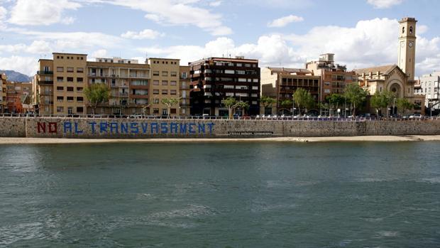 El trasvase del Ebro es uno de los que más polémica genera