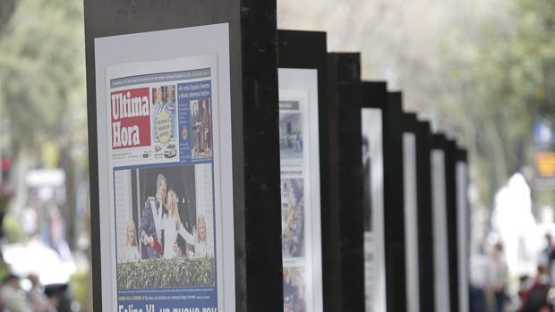 Estos días puede verse en las calles de Palma una muestra con las principales portadas del diario desde su creación