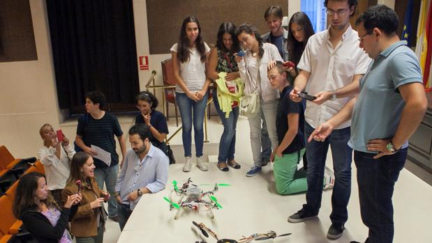 Estudiantes de Ingeniería desarrollaron un dron para la distribución de medicamentos en zonas rurales aisladas