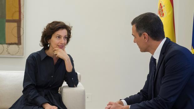 La directora general de la Unesco, Audrey Azoulay, con el presidente del Gobierno, Pedro Sánchez