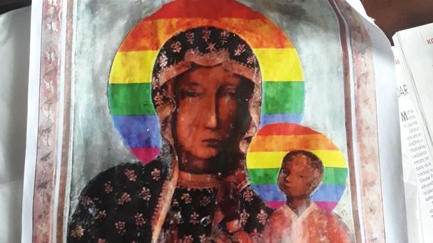 La Virgen Negra de Czestochowa con los colores LGBT
