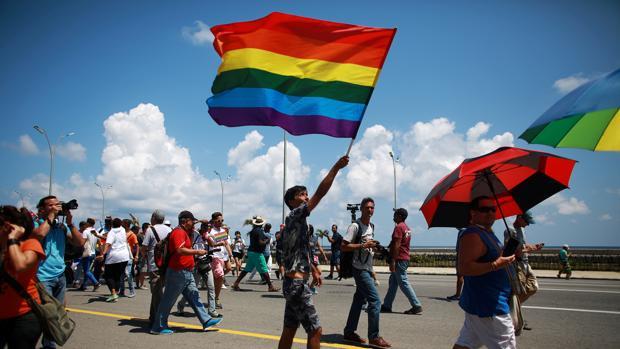 Activistas cubanos protestan por la suspensión de la «Conga contra la homofobia» en La Habana