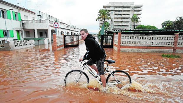 Inundación en Peñíscola en 2008 tras una gota fría