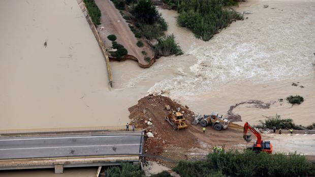 La DANA se aleja del sureste y deja un paisaje devastado con miles de evacuados
