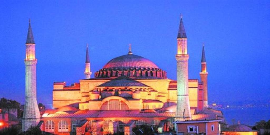 La Justicia turca da luz verde a que Santa Sofía pueda ser una mezquita