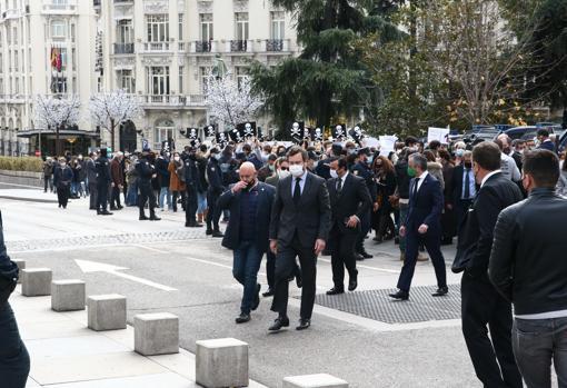 Iván Espinosa de los Monteros regresa al congreso tras mostrar su apoyo a los manifestantes