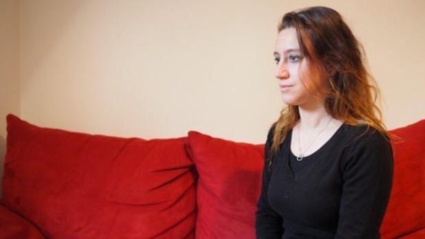 El 'caso Valérie Bacot' mantiene a Francia en vilo: se enfrenta a cadena perpetua por matar a su padrastro y maltratador