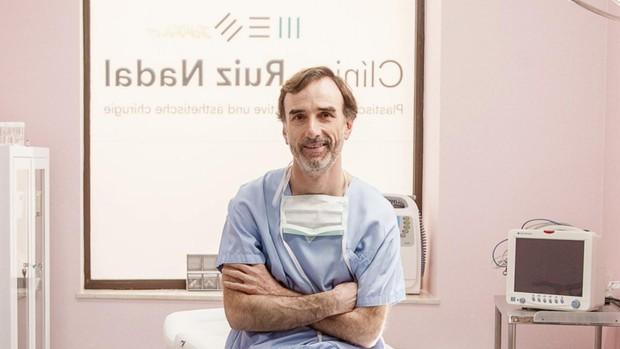 El médico que responde a los catalanistas: «Nadie me va a decir cómo rotular mi negocio»
