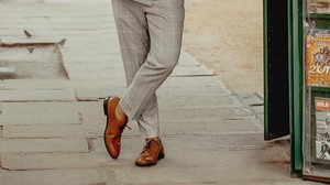 La polémica de los zapatos sin calcetines, ¿sí o no?