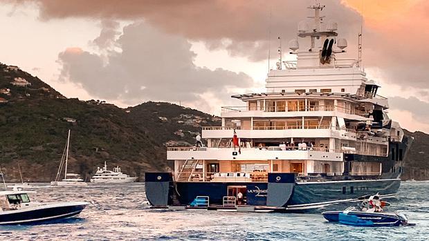 El barco es un gigayate de 107 m de eslora