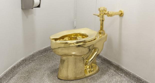 Retrete de oro robado