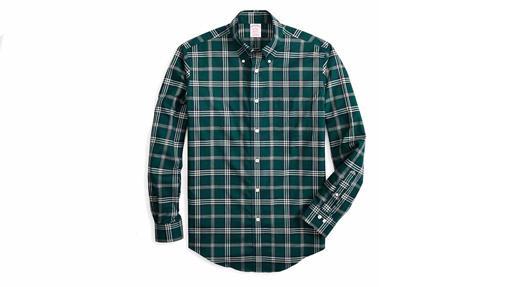 Camisa de cuadro tartán verde inglés (140 euros).