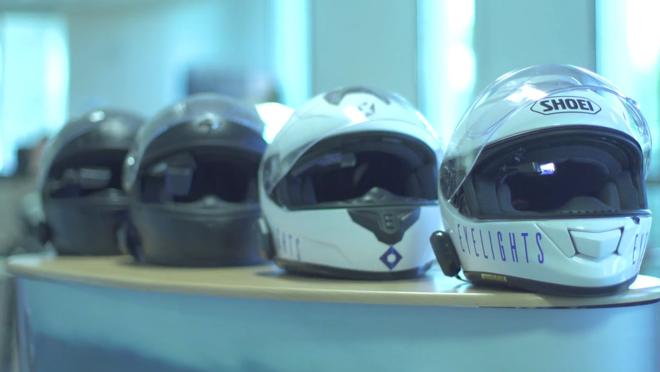 Se puede comprar solo el dispositivo o el casco con él incorporado