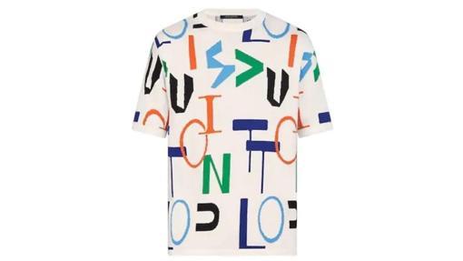 Camiseta con logo multicolor, de Louis Vuitton (750€)