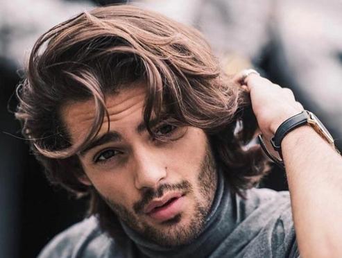 El pelo largo y la media melena, cada vez más populares