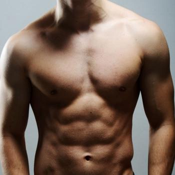 De cara al verano, la depilación se convierte en un tratamiento cada vez más demandado entre los hombres.