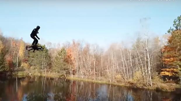 Todo lo que debes saber del primer patinete volador conocido como Omni Hoverboard