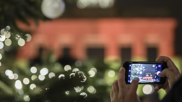 España es el país de la UE donde más se navega por internet a través del «smartphone»