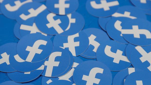 Un fallo técnico en Facebook permite que niños accedan a chats privados con extraños