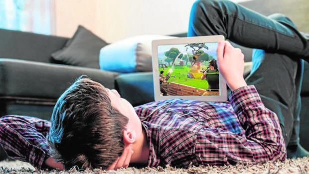 Adicción a «Fortnite»: el 60 por ciento de los niños lo juegan sin tener la edad recomendada