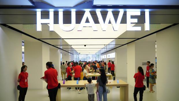 Huawei no deja de crecer a pesar de los escándalos y del veto de Estados Unidos