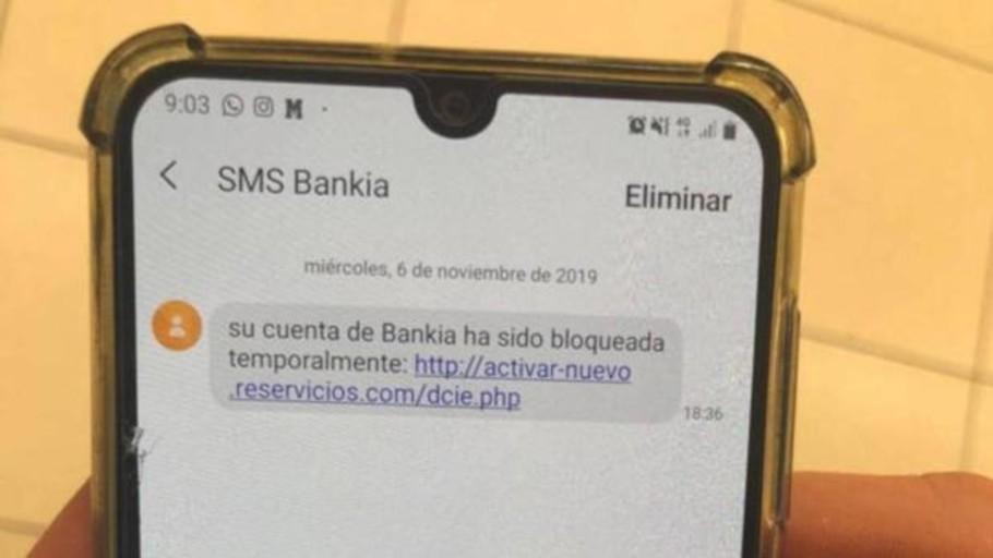Cuidado, no abras este SMS o te robarán el dinero y los datos personales