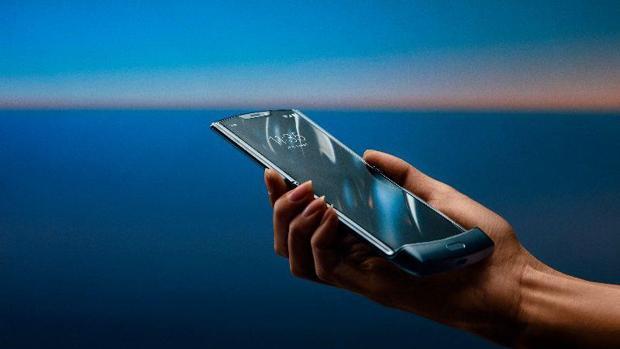 Motorola confirma la llegada a España de su nuevo móvil plegable