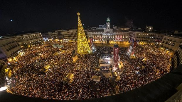 La Puerta del Sol, en la noche del 31 de diciembre