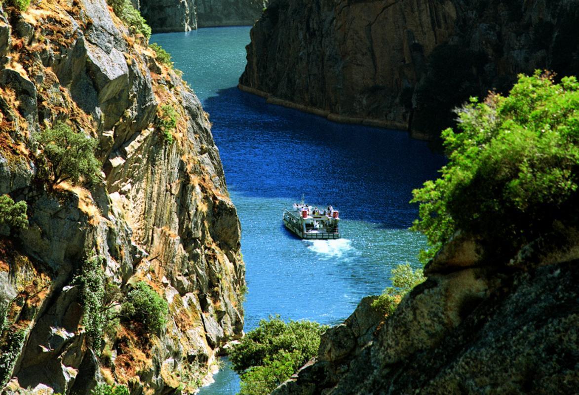 Arribes Del Duero Una Espectacular Ruta En Barco Entre España Y Portugal