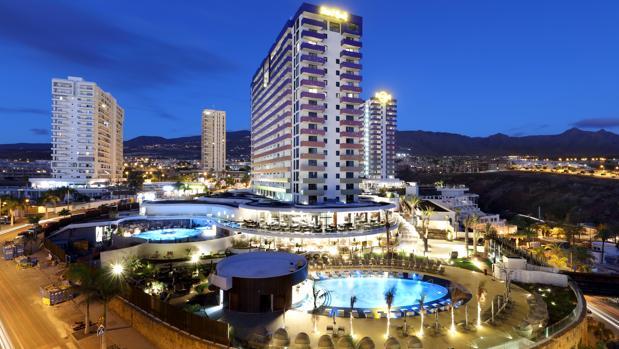 Exterior del Hard Rock Hotel Tenerife, en Playa Paraíso, al sur de Tenerife, cerca de Adeje
