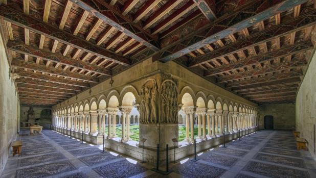 claustro monasterio silos