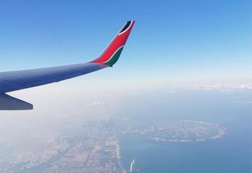Dubai desde un avión
