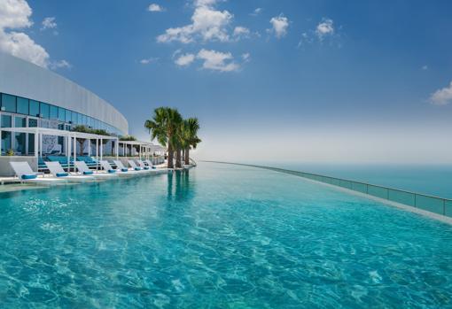 Piscina del Adress Beach Resort